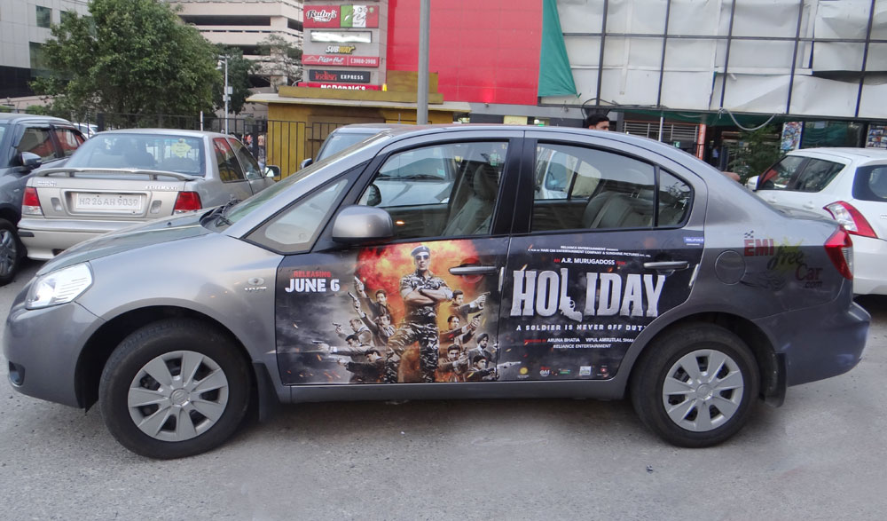 Akshay Kumar's Holiday emifreecar.com, holiday movie car advertisement